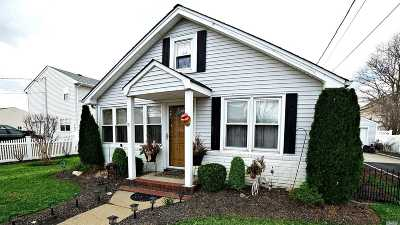 Massapequa Single Family Home For Sale: 80 Roosevelt Ave