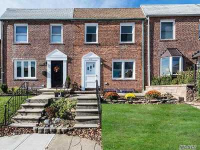 Whitestone NY Single Family Home For Sale: $758,000