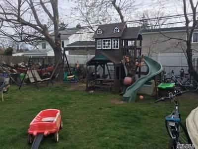 Hicksville Single Family Home For Sale: 38 Sleepy Ln