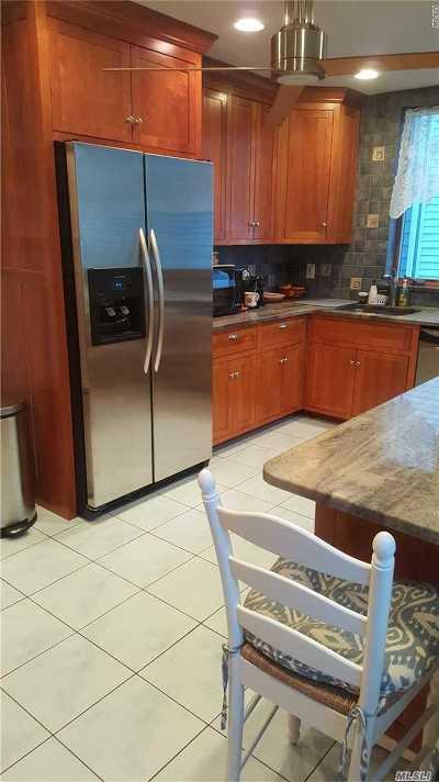 Rockaway Beach Single Family Home For Sale: 9012 Holland Ave