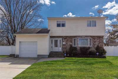Deer Park Single Family Home For Sale: 108 Bowling Ln