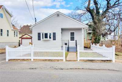 Nassau County Single Family Home For Sale: 24 June Ave
