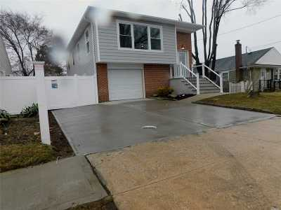 Amityville Single Family Home For Sale: 10 Buchanan Ave