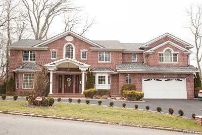 Roslyn Single Family Home For Sale: 240 Chestnut Dr.