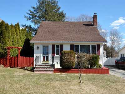 Northport Single Family Home For Sale: 35 Grand Ave