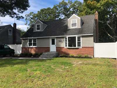 Huntington Single Family Home For Sale: 33 Keeler St