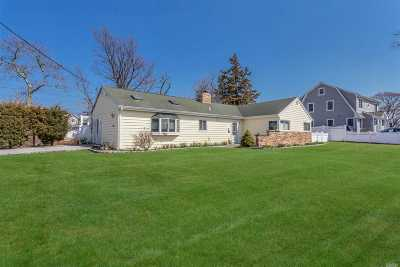 Massapequa Single Family Home For Sale: 2 Fairwater Ave