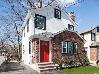 Floral Park Single Family Home For Sale: 136 Geranium Ave