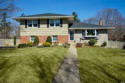 Commack Single Family Home For Sale: 15 Banbury Ln