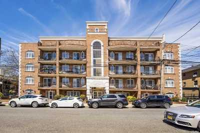 Woodside Condo/Townhouse For Sale: 69-07 43rd Ave #PH-5A