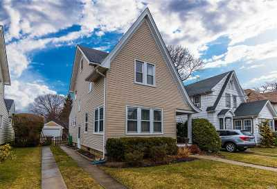 Rockville Centre Single Family Home For Sale: 304 N Forest Ave