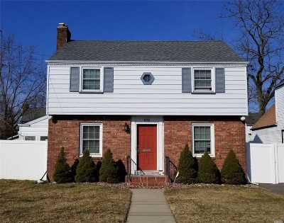 Baldwin NY Single Family Home For Sale: $429,000