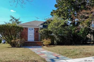 Valley Stream Single Family Home For Sale: 1 Shipley Ave