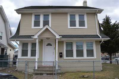 Hempstead Single Family Home For Sale: 26 Lincoln Blvd