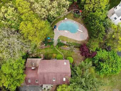 Suffolk County Single Family Home For Sale: 189 Beverly Rd