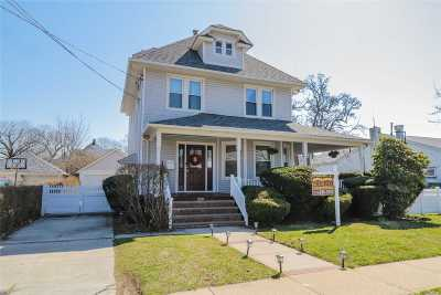 Lynbrook Single Family Home For Sale: 220 Denton Ave