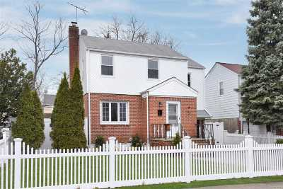 Nassau County Single Family Home For Sale: 43 Norfeld Blvd