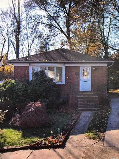 Queens County Single Family Home For Sale: 222-04 41rd