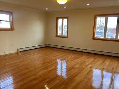 Flushing Rental For Rent: 17203 65th Ave #2nd Fl