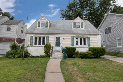 W. Hempstead Single Family Home For Sale: 772 Harrison Street