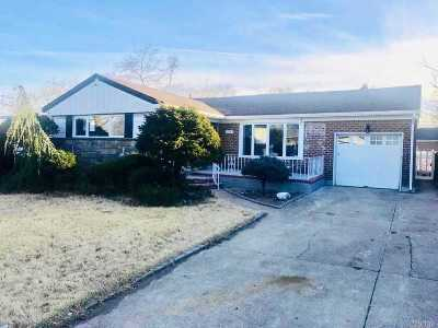 Nassau County Single Family Home For Sale: 2243 Renfrew Ave