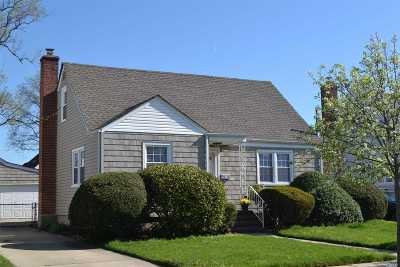 Baldwin NY Single Family Home For Sale: $485,000