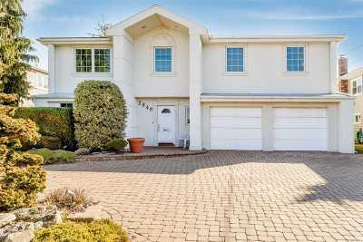 Merrick Single Family Home For Sale: 2949 Cheryl Rd