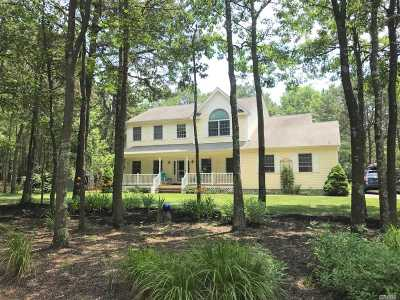 Manorville Single Family Home For Sale: 32 Jerusalem Hollow Rd