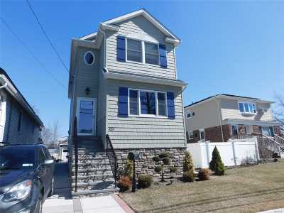 Nassau County Single Family Home For Sale: 122 Lawson Ave