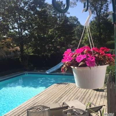Hampton Bays Single Family Home For Sale: 3 Yale St