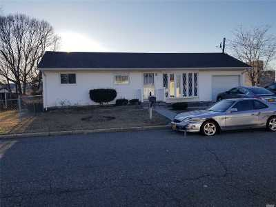 Suffolk County Single Family Home For Sale: 36 Campbell St