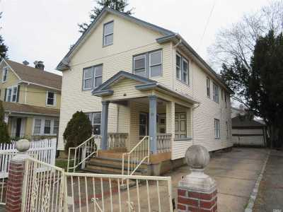 Hempstead Multi Family Home For Sale: 38 Maryland Ave