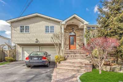 Single Family Home For Sale: 3376 Robbin Ln