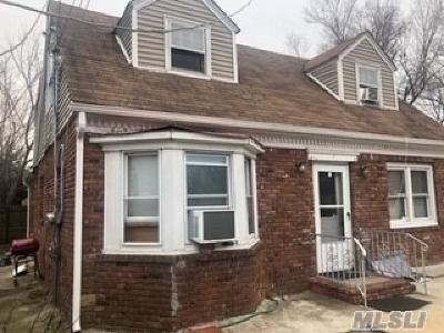 Bay Shore Single Family Home For Sale: 12 Hansen St