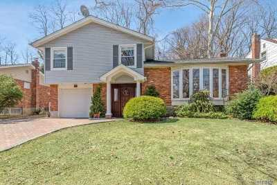 Port Washington Single Family Home For Sale: 15 Glen Ln