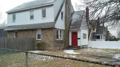 Oceanside Single Family Home For Sale: 2873 Arnold Ave