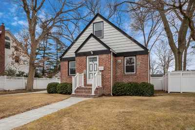 Massapequa Single Family Home For Sale: 56 Hawthorne St