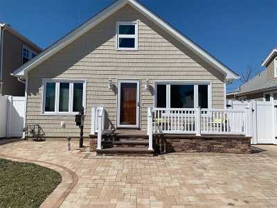 Island Park Single Family Home For Sale: 102 Parma