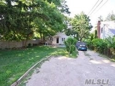 Nassau County, Suffolk County Single Family Home For Sale: 39 E 20th St