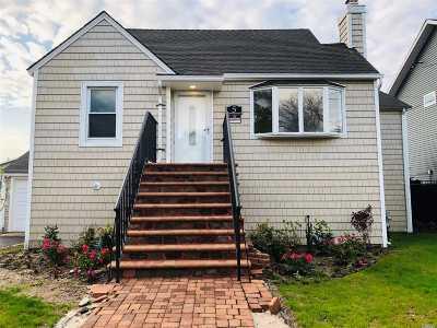 Lindenhurst Single Family Home For Sale: 5 Surf Rd