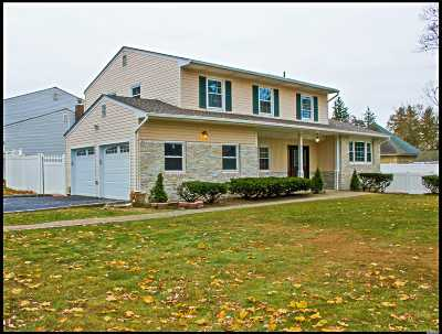 E. Northport Single Family Home For Sale: 615 Elwood Rd