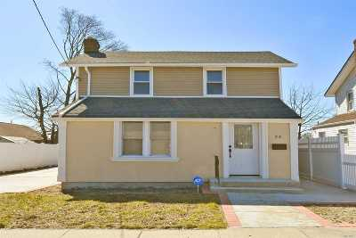 Roosevelt Single Family Home For Sale: 24 Washington Place