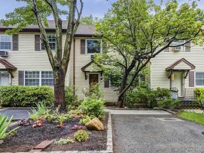 Roslyn Single Family Home For Sale: 12 Orchard Ct
