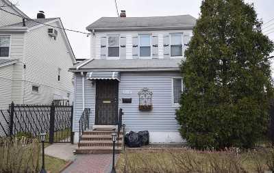 Hillcrest Single Family Home For Sale: 81-02 164 Pl