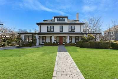 Garden City Single Family Home For Sale: 115 Nassau Blvd