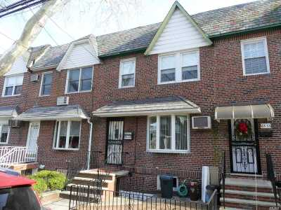 Middle Village Single Family Home For Sale: 63-31 70th St