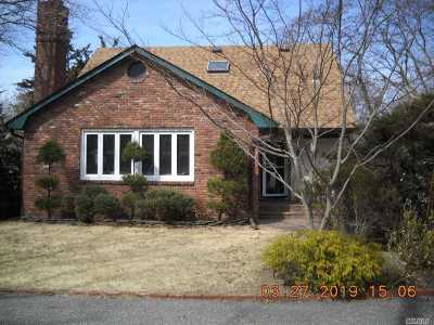 Sound Beach Single Family Home For Sale: 80 Waterville Dr