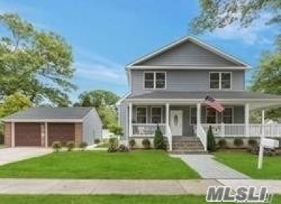 N. Merrick Single Family Home For Sale: 1455 Park Ave