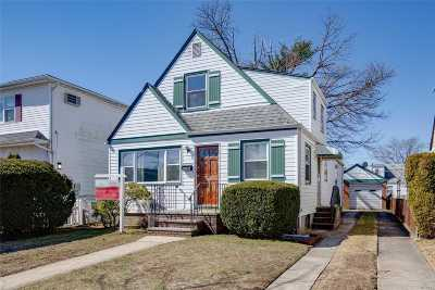 Floral Park Single Family Home For Sale: 82-36 263rd St