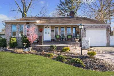 Syosset Single Family Home For Sale: 10 Gary Rd